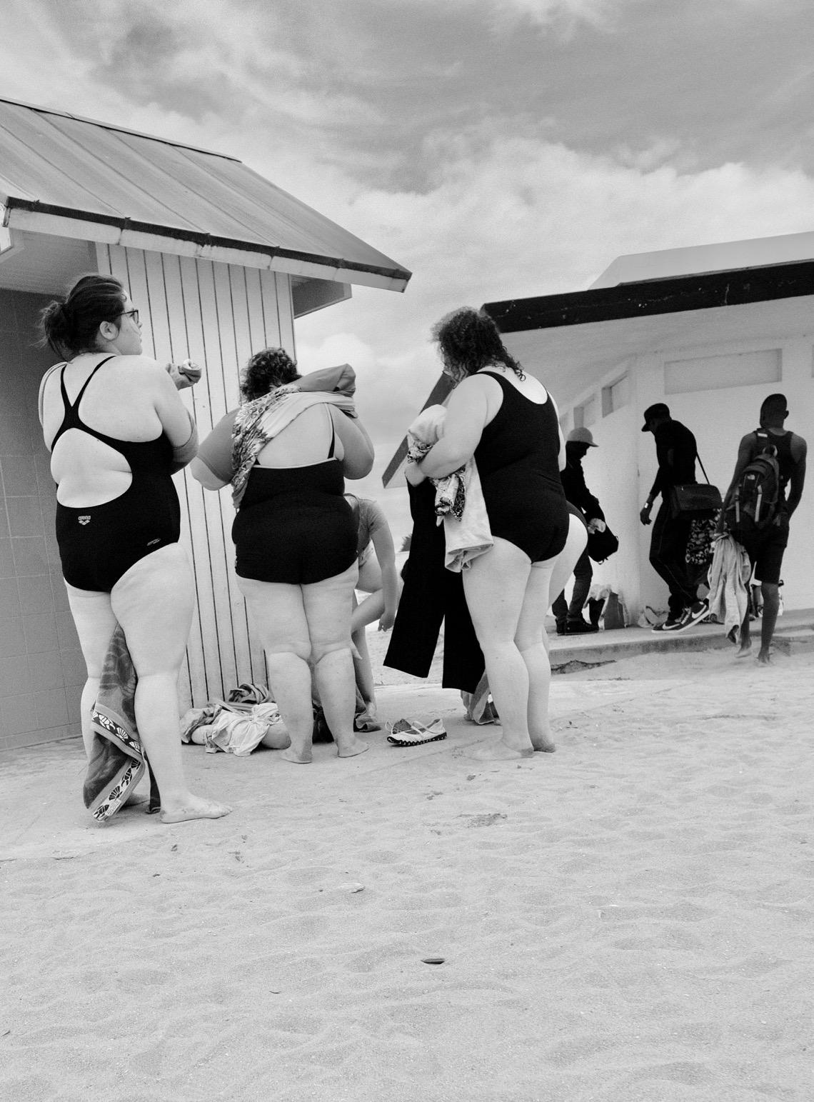 Les baigneuses - Plage de Ouistreham